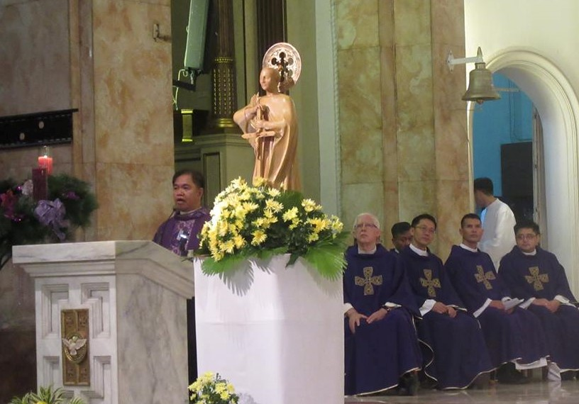 The Thanksgiving Mass was celebrated by Rev. Msgr. Rolando dela Cruz, Paco parish priest -- with seven priests from three nations concelebrating.