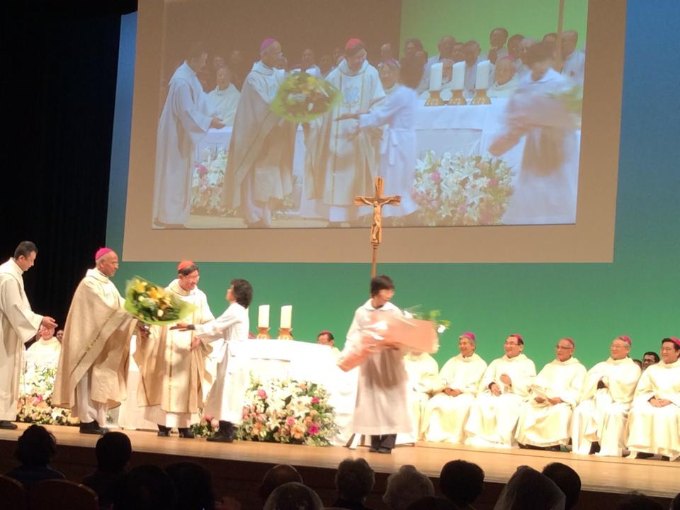 Cardinal Tagle Celebrating 400th Takayama Memorial Mass in Kobe